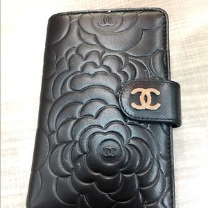 💯% Authentic CHANEL CAMILLA embossed lambskin